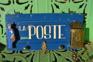 SCaVenGeR deSigNs' La Poste mail center