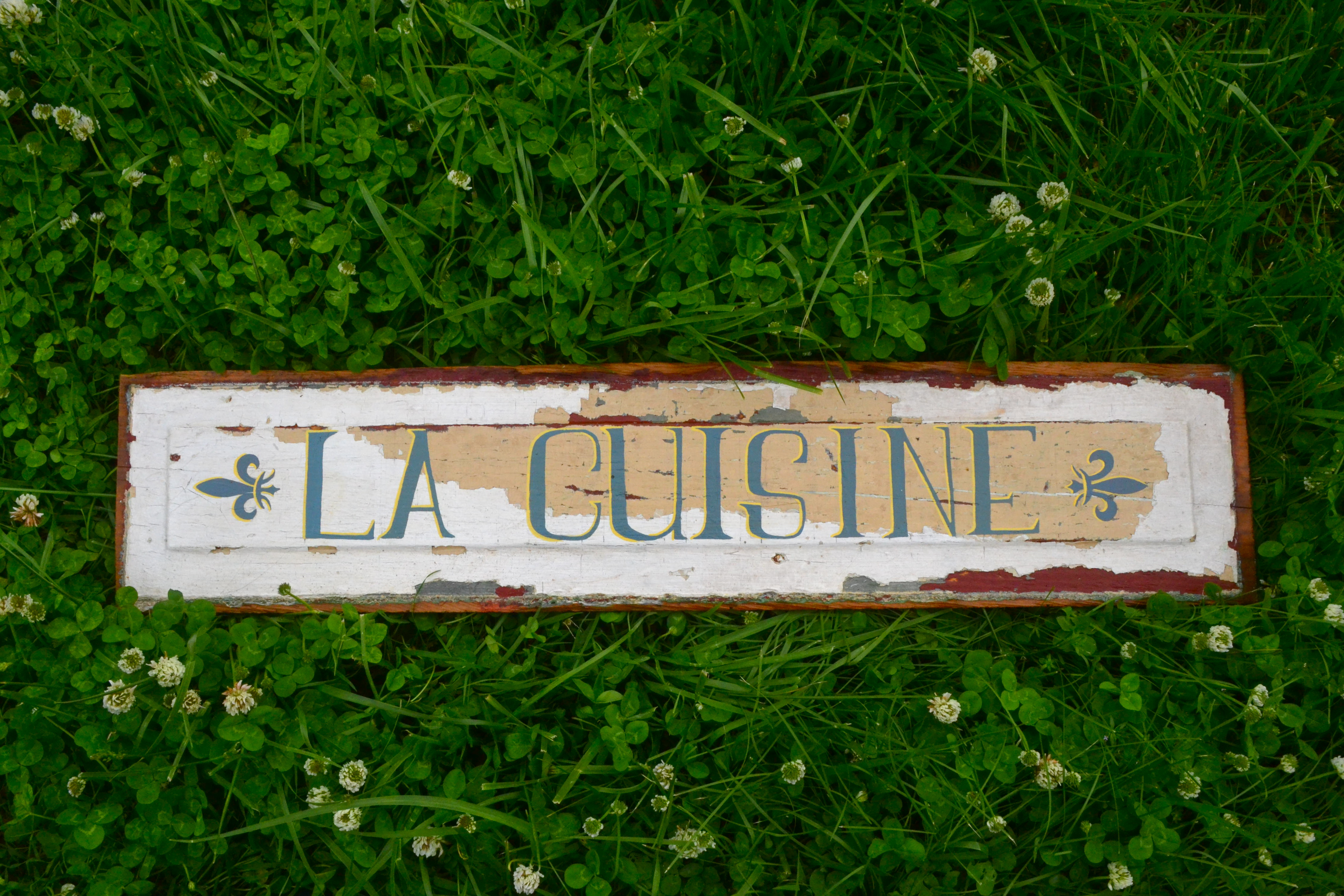 La Cuisine sign
